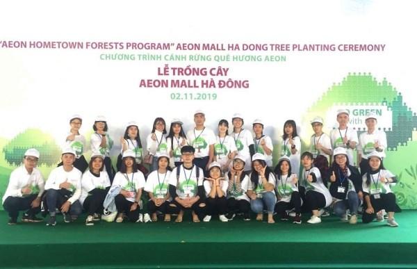Đoàn sinh viên Học viện Nông nghiệp Việt Nam trồng hơn 200 cây xanh
