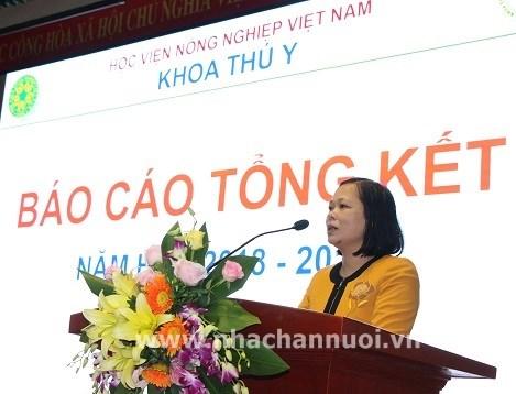 PGS TS Lại Thị Lan Hương – Phó Trưởng Khoa Thú y