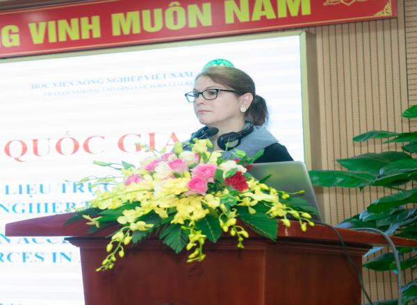 Chuyên gia tổ chức FAO chia sẻ kiến thức với các học giả