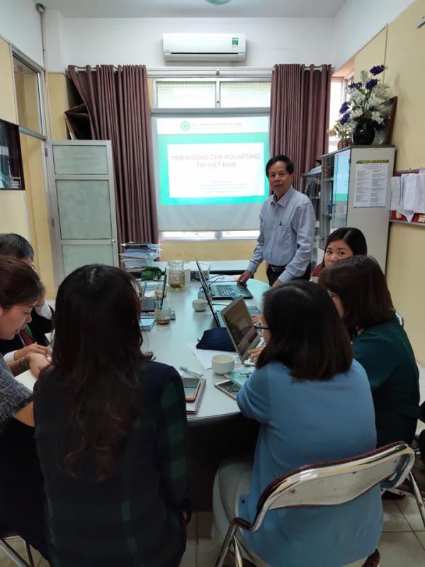 GS. TS. Phạm Tiến Dũng trình bày về Triển vọng của hệ thống Aquaponics tại Việt Nam tại seminar