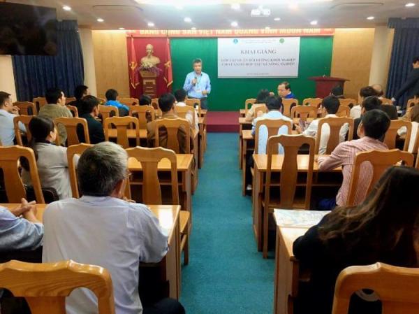 GS.TS. Phạm Văn Cường đại diện cho Ban lãnh đạo Học viện nhấn mạnh tầm quan trọng và sự cấp thiết của lớp Tập huấn