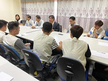 Buổi gặp mặt ban lãnh đạo công ty