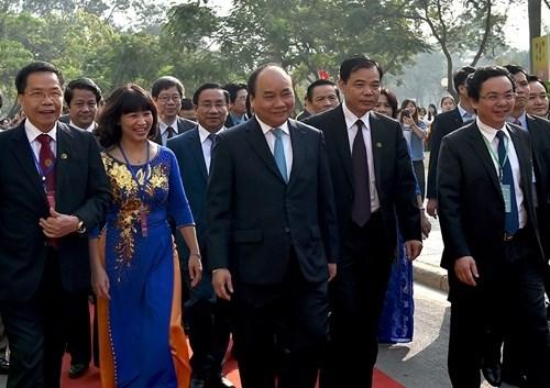 Thủ tướng Nguyễn Xuân Phúc cùng các đại biểu dự lễ kỷ niệm 60 năm thành lập HV Nông nghiệp Việt Nam. Ảnh: VGP