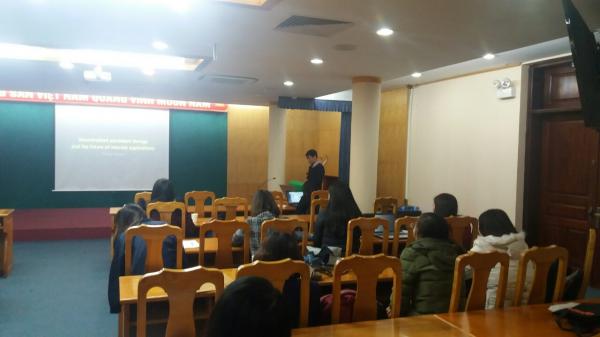 Đại biểu, khách mời và sinh viên tham dự hội thảo