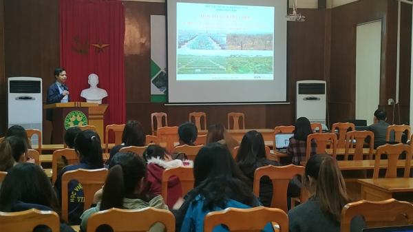 TS. Nguyễn Đức Huy, Phó trưởng Khoa Nông học phát biểu tại hội thảo