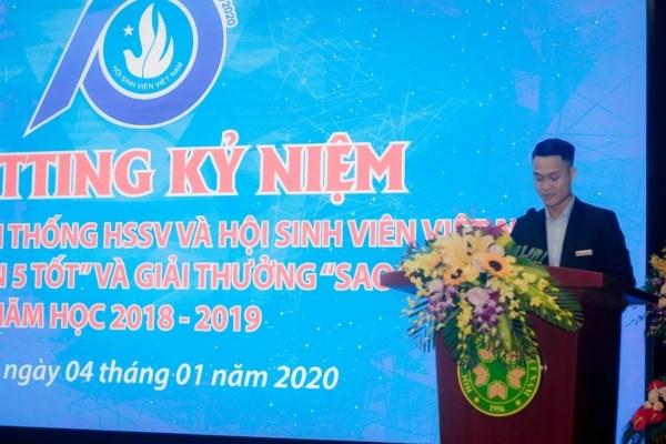 Đ/c Nguyễn Mạnh Linh - Phó chủ tịch Hội Sinh viên TP. Hà Nội phát biểu chúc mừng