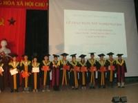 Lễ trao bằng tốt nghiệp Đại học Hệ chính quy cho sinh viên khóa 52