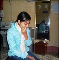 Cô học trò mồ côi lo không có tiền nhập học