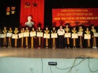 Lễ trao bằng tốt nghiệp Đại học Hệ chính quy cho sinh viên khóa 51 và 52