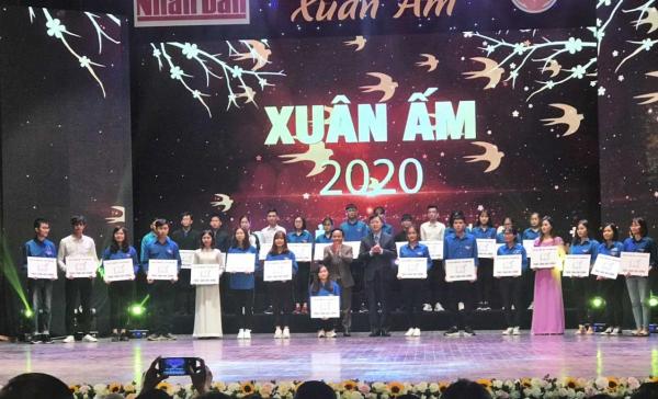 Sinh viên Học viện Nông nghiệp Việt Nam nhận học bổng Tài năng Việt
