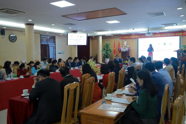 Đại biểu, khách mời và sinh viên tham dự chương trình
