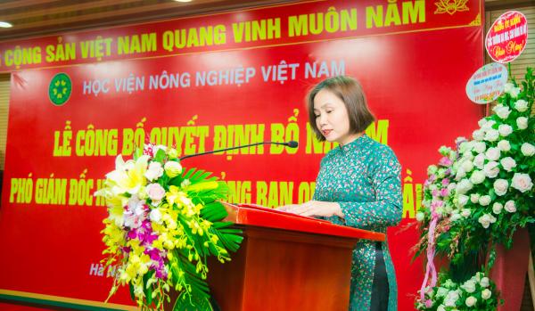 PGS.TS. Nguyễn Thị Thanh Thủy – Trưởng ban Tổ chức cán bộ công bố các Quyết định