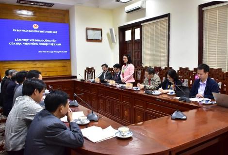 VNUA president, Prof. Dr. Nguyen Thi Lan addresses at the meeting