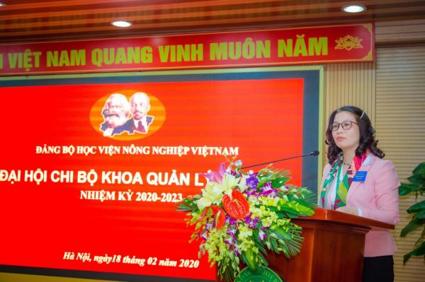 GS.TS. Nguyễn Thị Lan – Bí thư Đảng ủy, Giám đốc Học viện phát biểu chỉ đạo Đại hội
