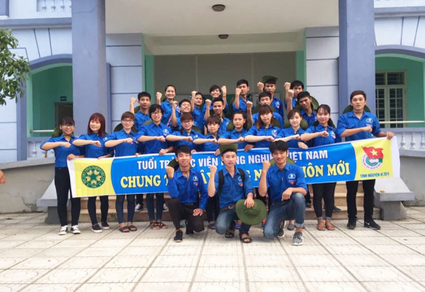 Phan Văn Lịch tham gia hoạt động tình nguyện vì cộng đồng