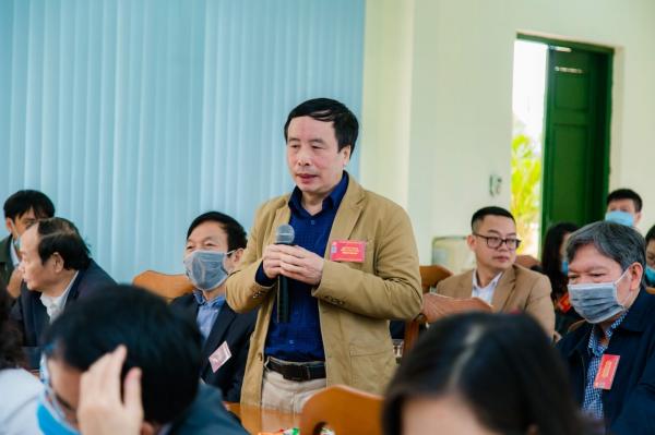 Các đại biểu thảo luận, đóng góp ý kiến tại Đại hội