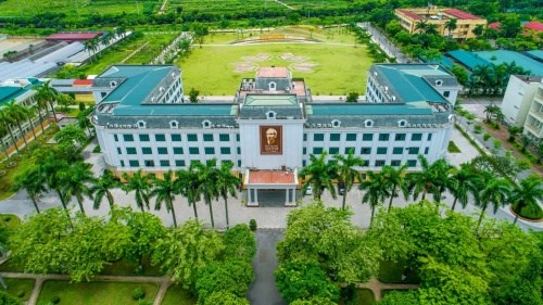 Học viện có diện tích 192 héc-ta với không gian xanh mát nên thơ