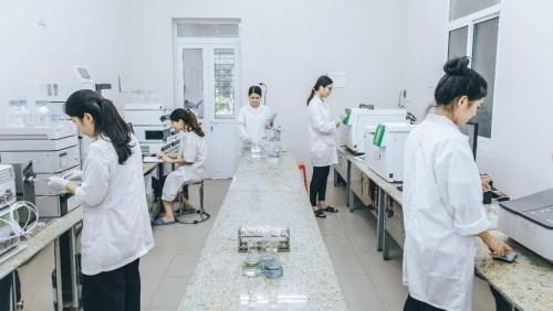 Sinh viên được thực hành trong các phòng thí nghiệm đạt chuẩn ISO