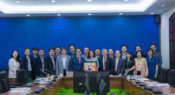 Đoàn công tác của Đại học Konkuk, Hàn Quốc đến thăm và làm việc tại Học viện trong khuôn khổ dự án do tổ chức KOICA tài trợ