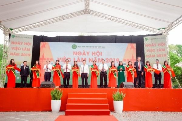 Học viện đã liên kết với nhiều doanh nghiệp tổ chức Ngày hội việc làm, thu hút sự tham gia của hàng trăm doanh nghiệp