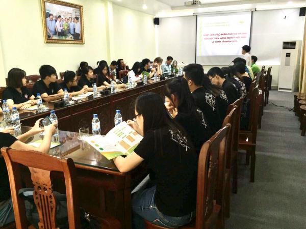 Sinh viên Khoa Kế toán và Quản trị Kinh doanh đi thực tế tại Công ty cổ phần Tập đoàn ThaiBinh Seed