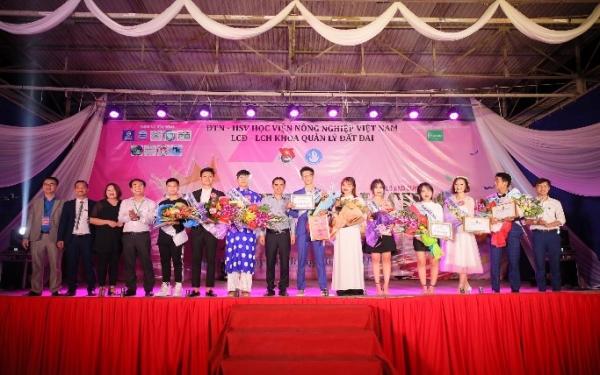 Sinh viên tích cực tham gia các hoạt động của Đoàn Thanh niên, Hội Sinh viên