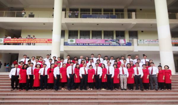 Đội ngũ giảng viên giảng dạy có trình độ cao, tâm huyết với nghề