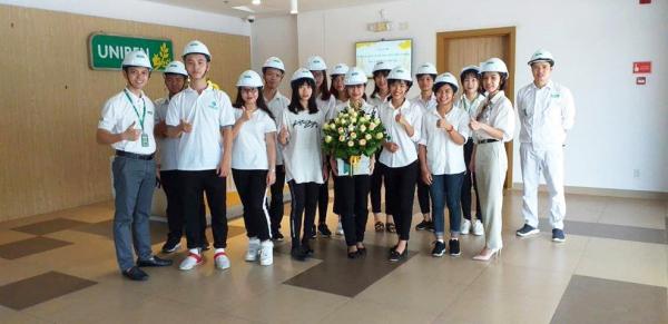 Sinh viên ngành Kinh tế nông nghiệp tham quan nhà máy sản xuất của Công ty UNIBEN, Hưng Yên