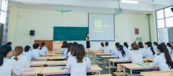 Một tiết học của sinh viên ngành Quản lý kinh tế