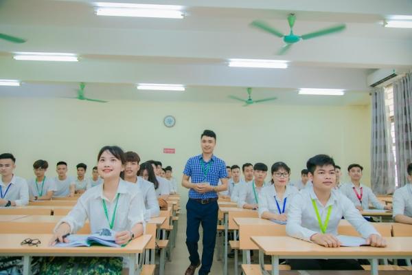 Trở thành cán bộ giảng dạy, nghiên cứu của trường đại học