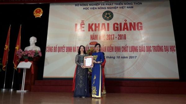 Học viện Nông nghiệp Việt Nam nhận giấy chứng nhận kiểm định chất lượng giáo dục trường đại học năm 2017