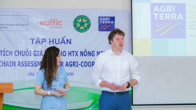 Ông Harm Haverkort - Giám đốc Agriterra tại Việt Nam phát biểu tại buổi lễ
