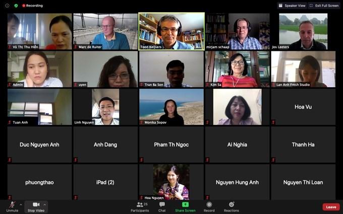 """Lớp tập huấn """"Đào tạo giảng viên nguồn phương pháp giảng dạy và học tập kết hợp"""" được tổ chức theo hình thức trực tuyến"""