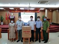 Trao tặng khẩu trang – Cựu sinh viên cùng Học viện chung tay Phòng, chống dịch Covid-19