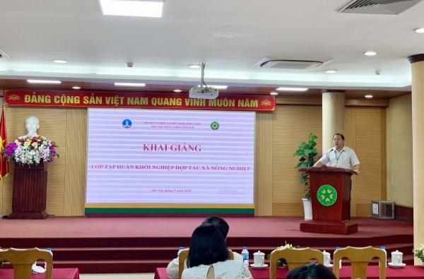 TS. Vũ Ngọc Huyên đại diện cho Ban Lãnh đạo Học viện phát biểu khai mạc