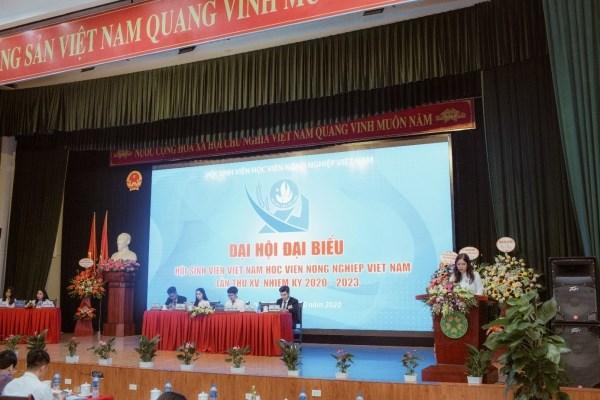 Điều hành Đại hội là Đoàn Chủ tịch gồm 05 đồng chí và Đoàn Thư ký gồm 02 đồng chí