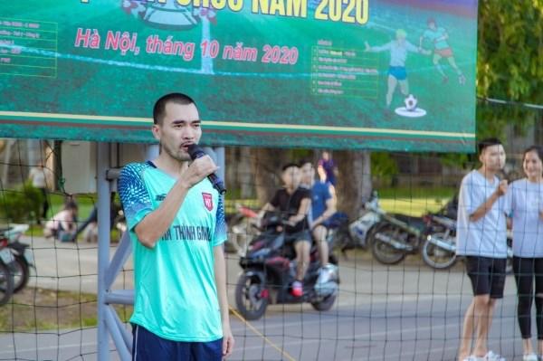 Đồng chí Nguyễn Thái Sơn thay mặt các vận động viên tham dự giải đọc lời tuyên thệ