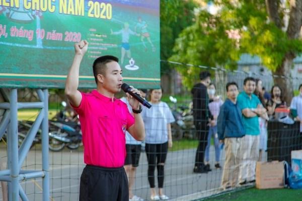Đồng chí Đào Quang Trung đại diện tổ trọng tài tuyên thệ tại buổi lễ