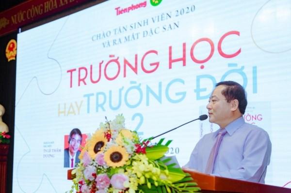 Nhà báo Lê Xuân Sơn - Bí thư Đảng uỷ, Tổng Biên tập Báo Tiền phong phát biểu khai mạc chương trình