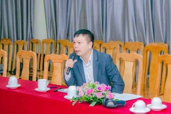 Ông Nguyễn Song Hà - Trợ lý trưởng đại diện FAO tại Việt Nam giới thiệu về chương trình Research4Life và hướng dẫn cách sử dụng nguồn dữ liệu AGORA