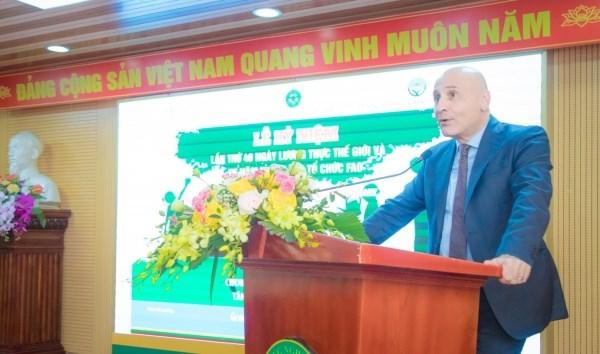 Ông Antonio Alessandro - Đại sứ Cộng hòa Ý tại Việt Nam bày tỏ vui mừng khi được tham dự Lễ kỷ niệm ngày Lương thực Thế giới lần thứ 40 và 75 năm thành lập FAO