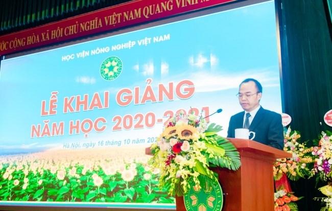 Ông Nguyễn Văn Chiến - Phó Tổng Giám đốc Công ty Cổ phần Chăn nuôi C.P. Việt Nam phát biểu tại buổi lễ