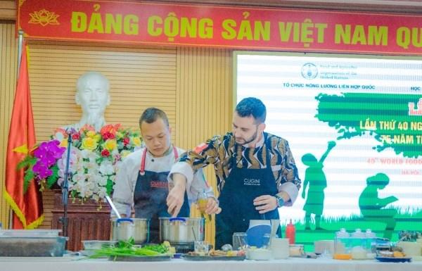 Màn biểu diễn nghệ thuật giới thiệu món ăn của Việt Nam và Địa Trung Hải