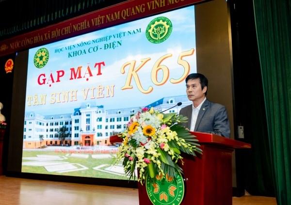 PGS.TS. Lê Minh Lư – Trưởng Khoa phát biểu khai mạc chương trình
