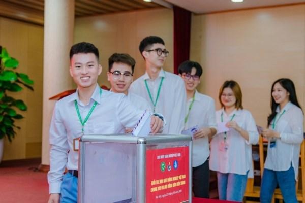 Sinh viên Học viện chung tay ủng hộ đồng bào miền Trung bị lũ lụt