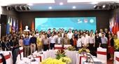 """Hội thảo """"Phát triển kinh tế Việt Nam trong bối cảnh biến đổi toàn cầu"""""""