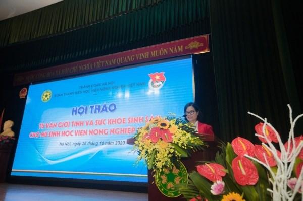 Đồng chí Đỗ Thị Kim Hương – Bí thư Đoàn Thanh niên Học viện phát biểu khai mạc chương trình Hội thảo.