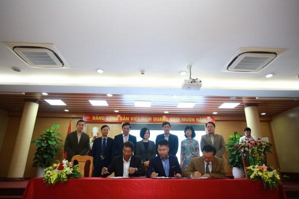 Lễ ký kết chuyển giao công nghệ cho ngành sản xuất hoa của Việt Nam