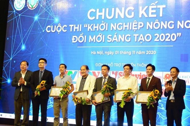 Ban Giám khảo cuộc thi là những nhà chuyên gia, chính sách cùng những nhà khởi nghiệp.