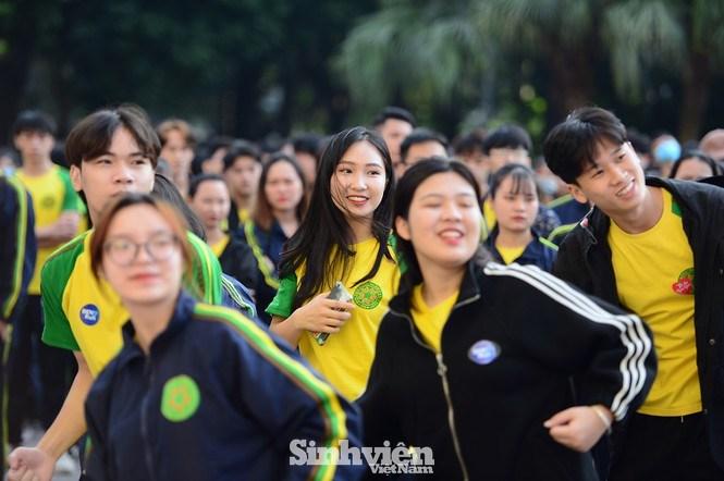 Sinh viên Học viện Nông nghiệp Việt Nam tham gia giải chạy.